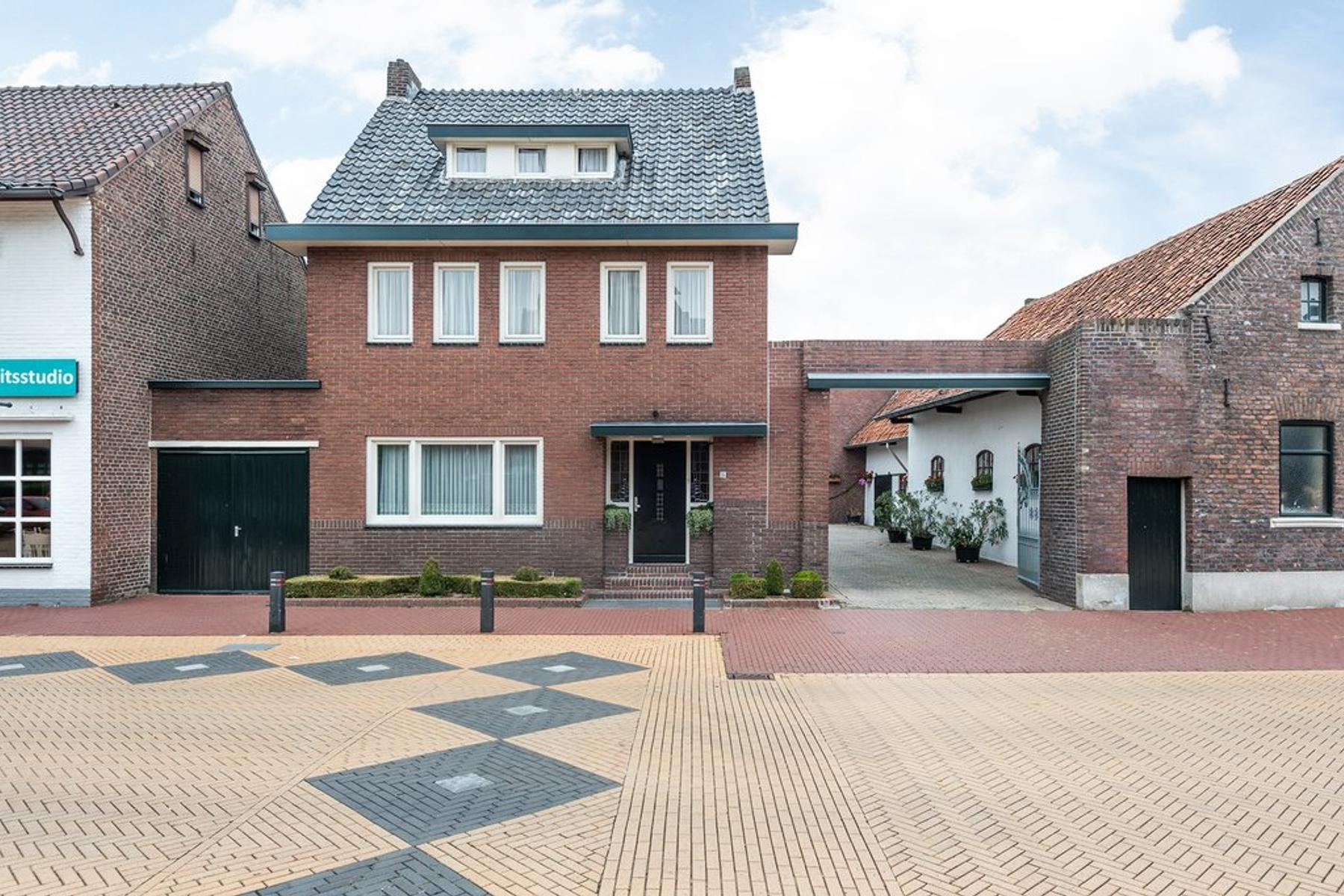 Kerkstraat 15 in Born 6121 LA