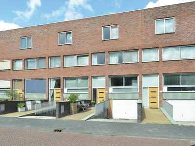 Rijswijkse Landingslaan 271 in 'S-Gravenhage 2497 CL