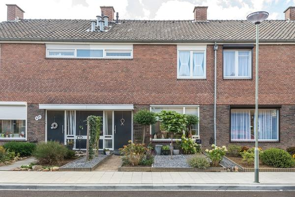 Doctor Kuyperstraat 11 in Urmond 6129 GR