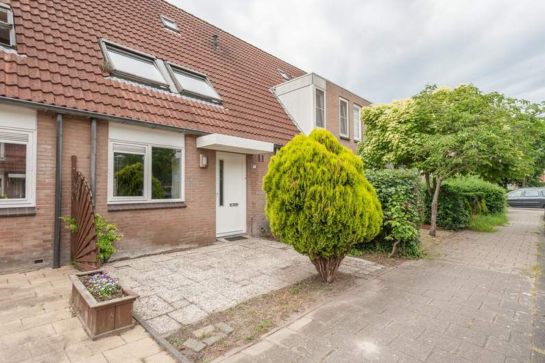 Brunssumstraat 15 in Almere 1324 MH