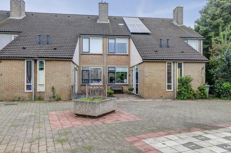 Van Hardenbroekstraat 9 in Giessenburg 3381 CB