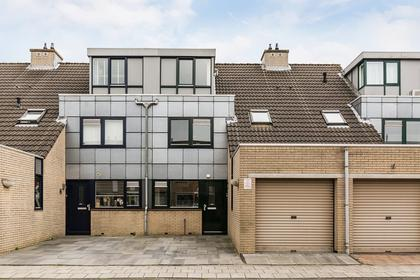 Wilhelmina Hofman-Pootstraat 17 in Spijkenisse 3207 DC