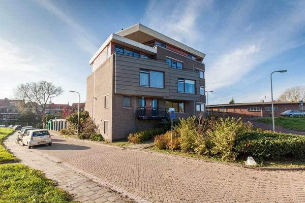 Spoorkade 40 in Kampen 8267 AA
