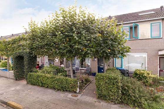 Bloemstraat 83 in Oldebroek 8096 VN