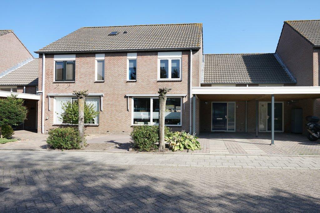 Slaapkamer Meubels Waalwijk : Anne frankstraat 6 in waalwijk 5142 pv: woonhuis te koop. van de