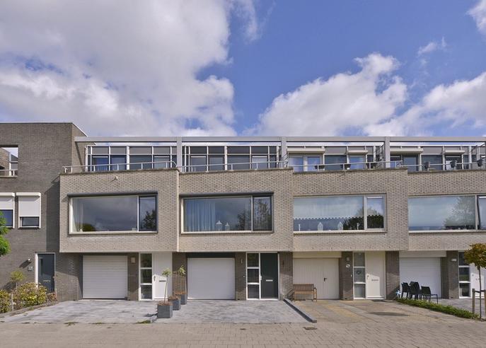 Oosterscheldestraat 5 in Zierikzee 4302 WG