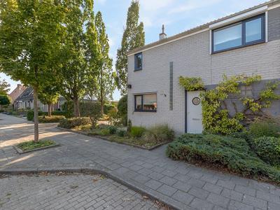Elstarstraat 99 in Kapelle 4421 DV