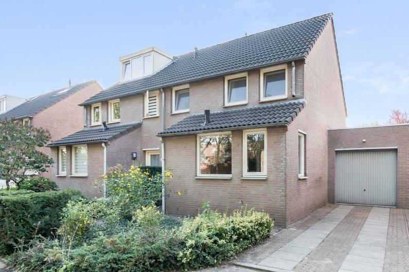 Sluisweg 56 in 'S-Hertogenbosch 5235 AH