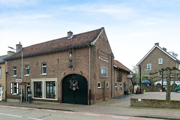 Dorpsstraat 74 in Schinnen 6365 BH