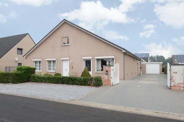 Vanderheydenweg 48, Hechtel-Eksel in Valkenswaard 5556 VB