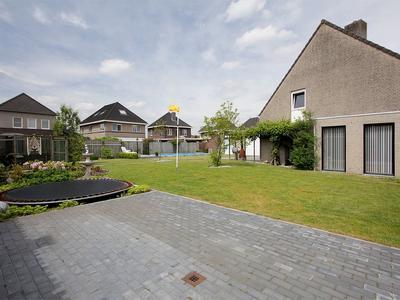Zandhorst 16 in Lage Mierde 5094 HB