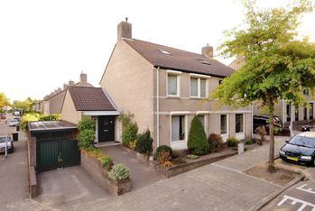 Wethouder Lommenstraat 10 in Venlo 5913 RR