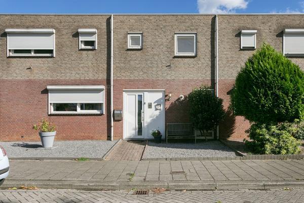 Azamonstraat 9 in Maastricht 6222 BX