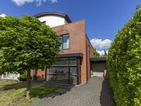 Toon Hermansplein 2 in Waalwijk 5144 ZE