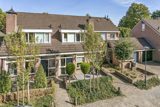 Meidoorn 21 in Helmond 5708 DH