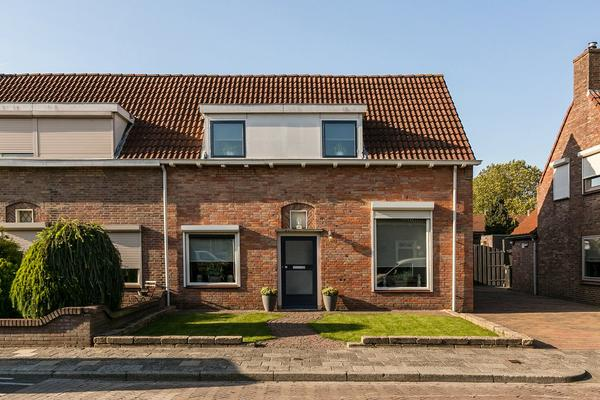 Pastoor Kroesstraat 23 in St. Willebrord 4711 BL