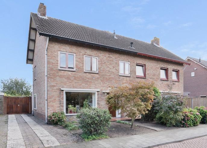 Pater Van Den Elsenstraat 45 in Haarsteeg 5254 JH
