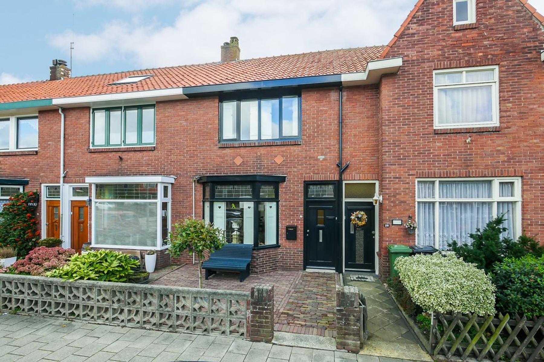 Huygensstraat 30 in Den Helder 1782 HP