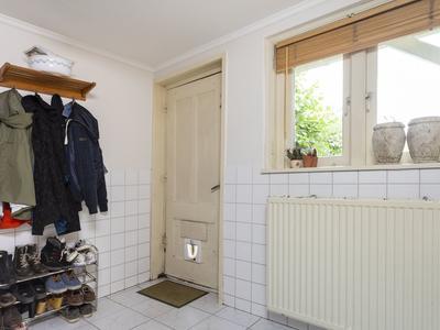 Dorpsstraat 110 in Krimpen Aan De Lek 2931 AG