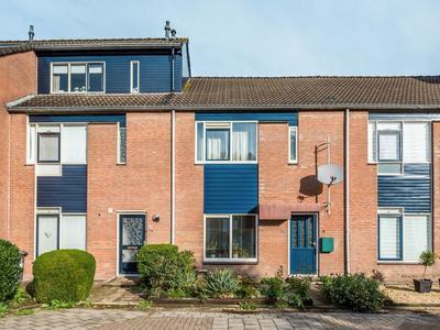 Dovenetel 39 in Heerenveen 8446 SH