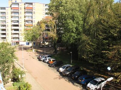 Burgemeester Stulemeijerlaan 52 in Schiedam 3118 BJ