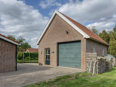 Bakkebrugstraat 4 in Klein Zundert 4882 ND