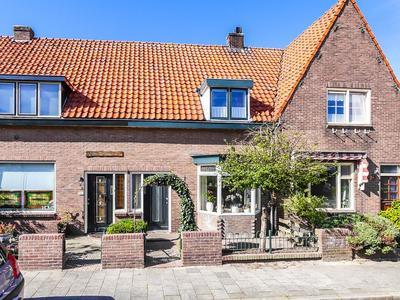 Sternstraat 4 in Den Helder 1781 WJ