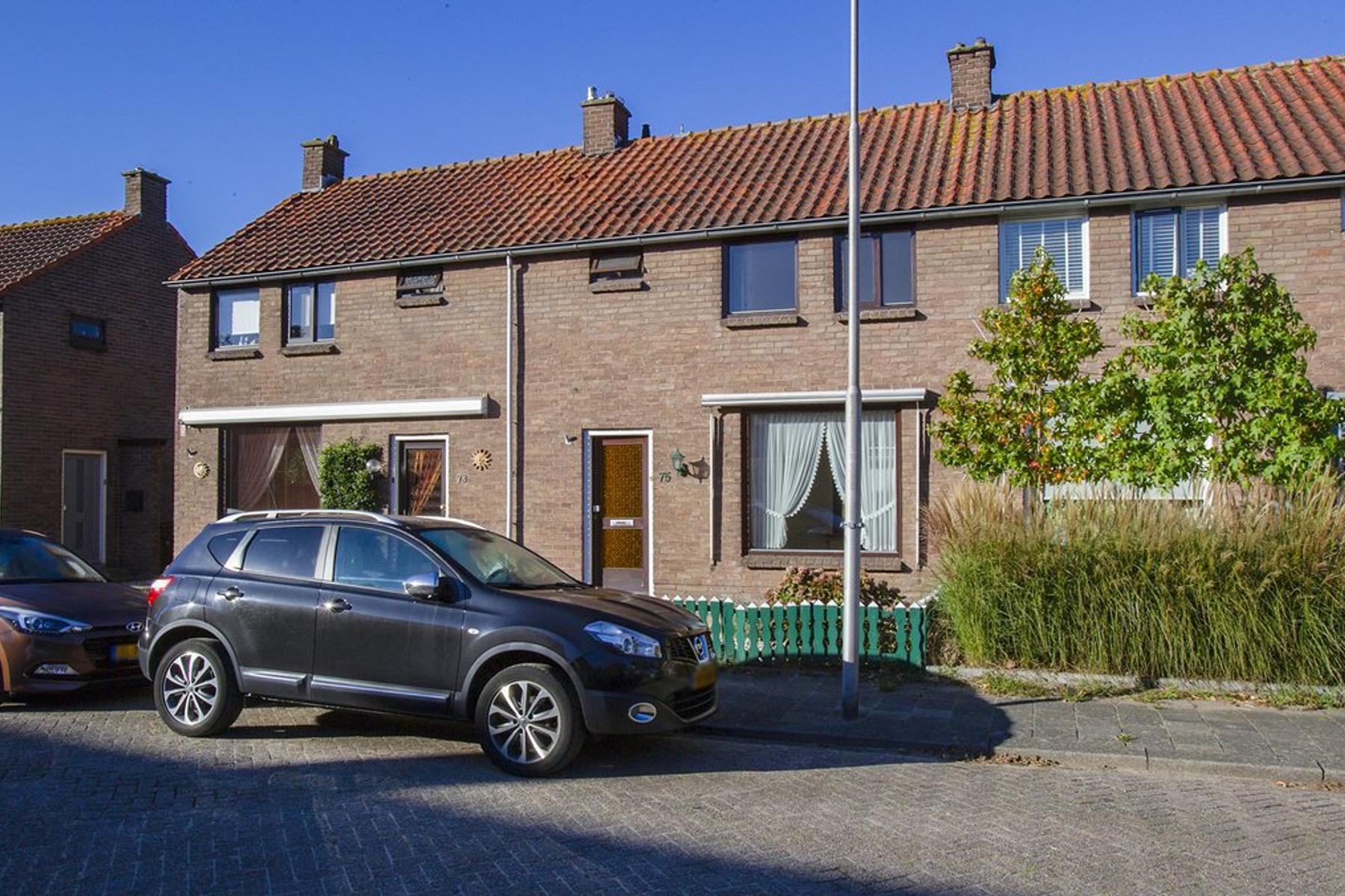 Mr. Heemskerkstraat 75 in Ridderkerk 2982 SH