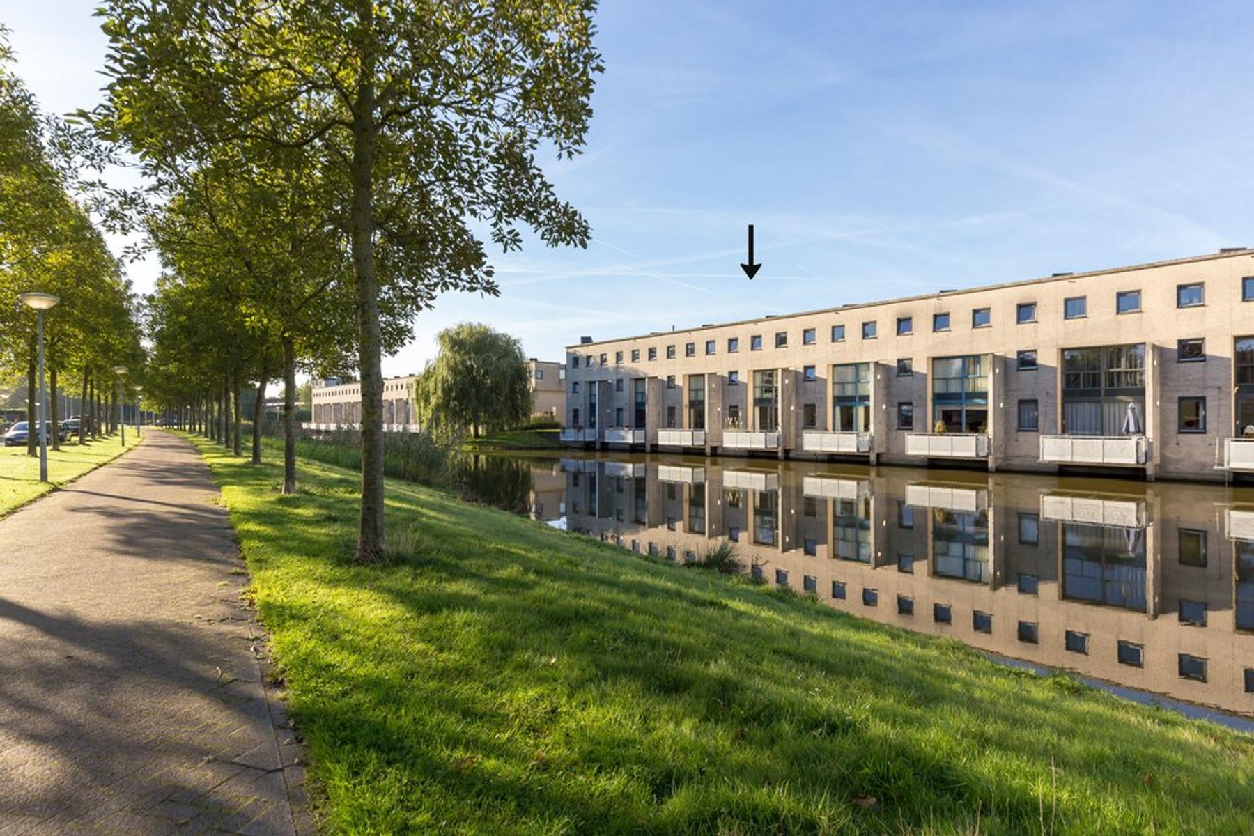 Flierveld 35 in Nieuw-Vennep 2151 LE