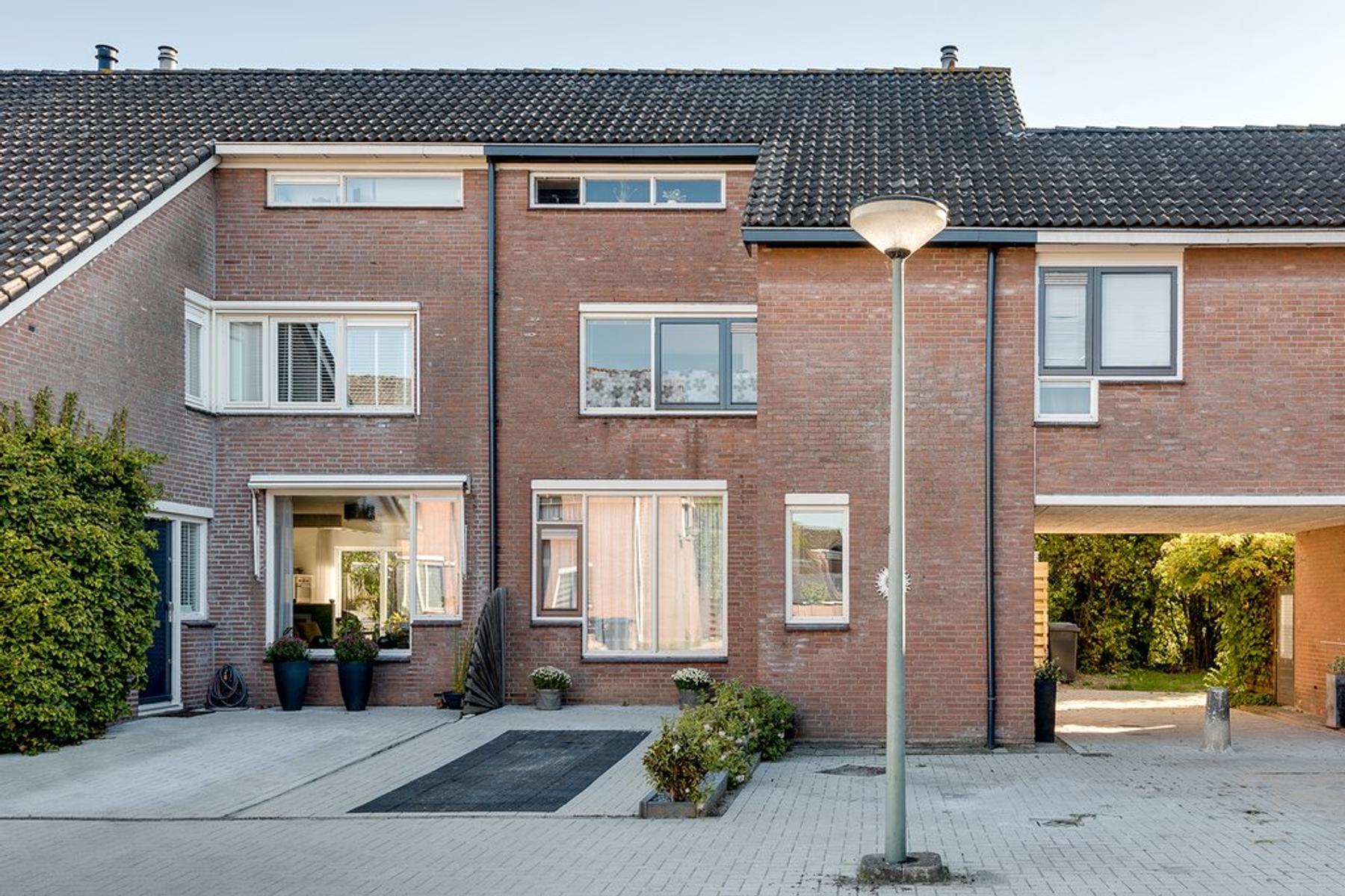 Slangenburg 252 in Dordrecht 3328 DX: Woonhuis te koop. - Estate ...