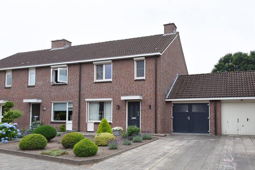 Gen. Ritchiestraat 20 in Panningen 5981 GC: Woonhuis te koop ...