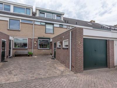 Handelstraat 38 in Numansdorp 3281 TC