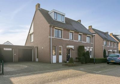 Damhertlaan 21 in Helmond 5704 DD
