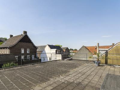 Grotestraat 35 En 35A in Linne 6067 BP