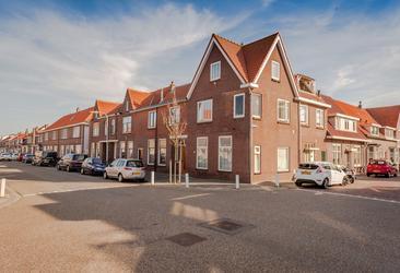 Secretaris Varkevisserstraat 67 A in Katwijk 2225 KW
