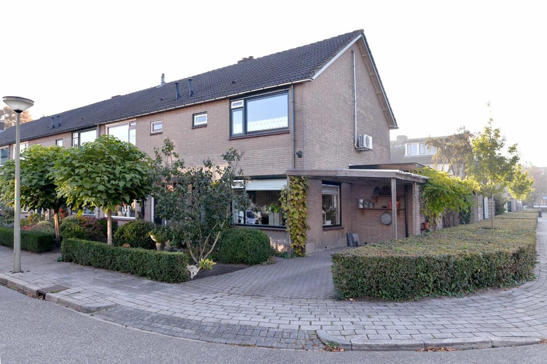 Offenbachstraat 32 in Eerbeek 6961 CB
