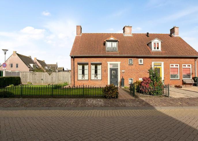 Schoolstraat 15 in Nieuw-Vossemeer 4681 BH