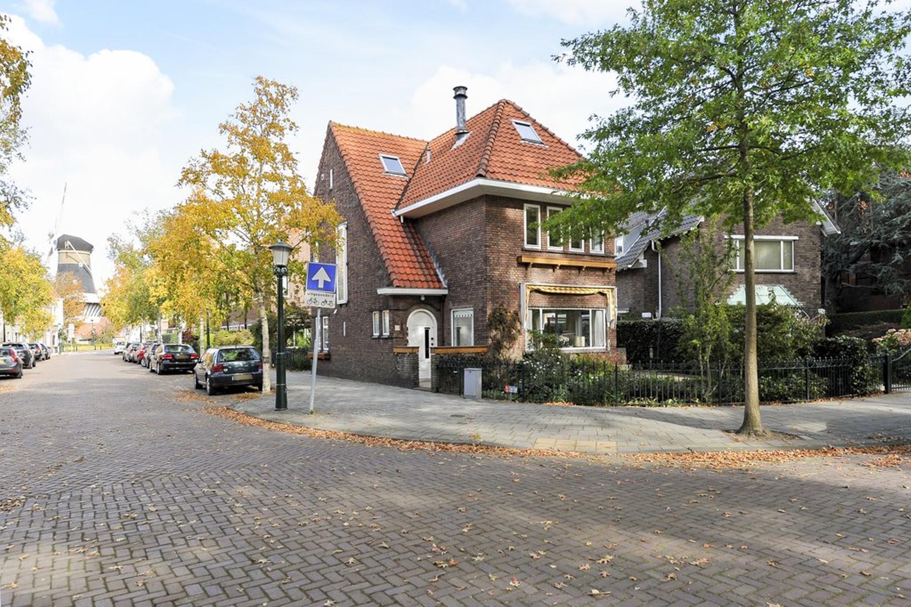 Gravestraat 11 in Wassenaar 2242 HZ
