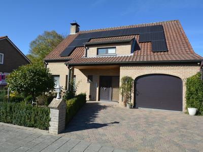 Zuidwal 11 in Oostburg 4501 BW