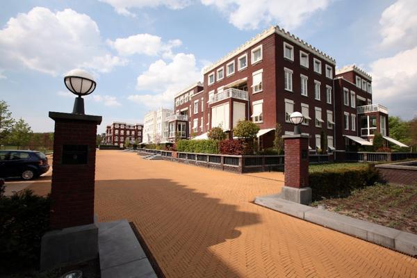 Van Ommerenpark 319 in Wassenaar 2243 EZ