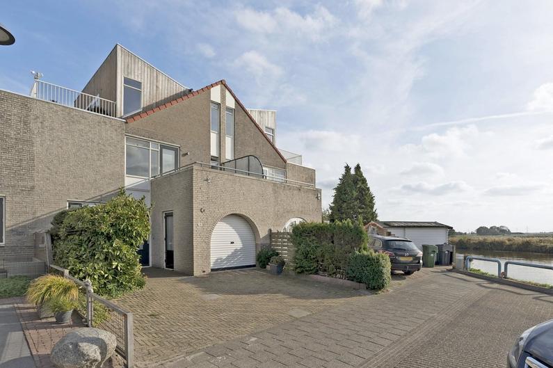 De Warring 61 in Heerenveen 8447 EB