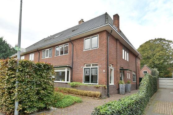 Lage Naarderweg 1 A in Hilversum 1217 GM