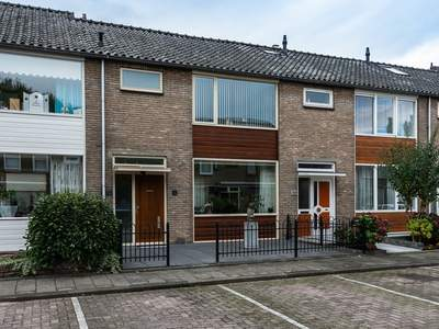 J.C. De Backstraat 52 in Ridderkerk 2988 XJ
