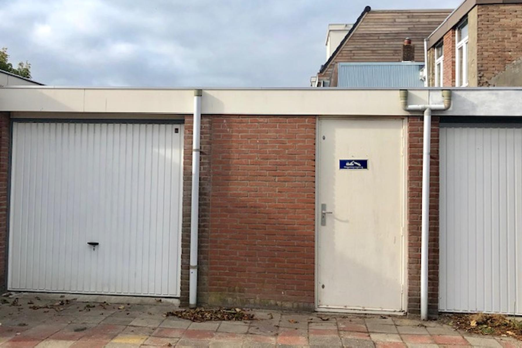 Garage Den Helder : Hoogstraat 72 d. in den helder 1781 lj: garagebox te koop