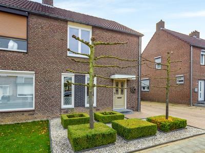 Heer Gosewijnstraat 12 in Born 6121 XP