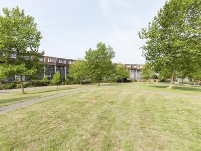 Zomerpark 28 in Nieuw-Vennep 2151 HA
