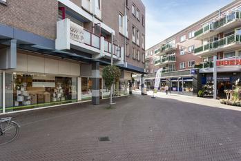 Te huur winkelruimte aan de Brink 37 te Almere