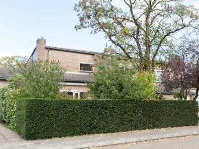 Burgemeester Van Beugenstraat 9 in Oosterhout 4904 LS