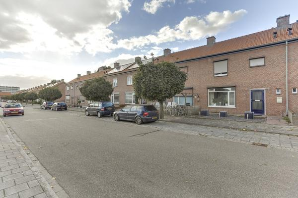 Pastoor Van Der Gaetstraat 67 in Venray 5801 GM