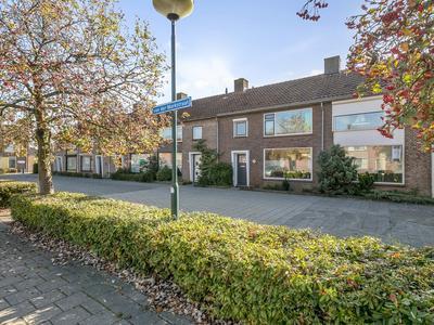 Van Der Markstraat 28 in Zevenbergen 4761 KC